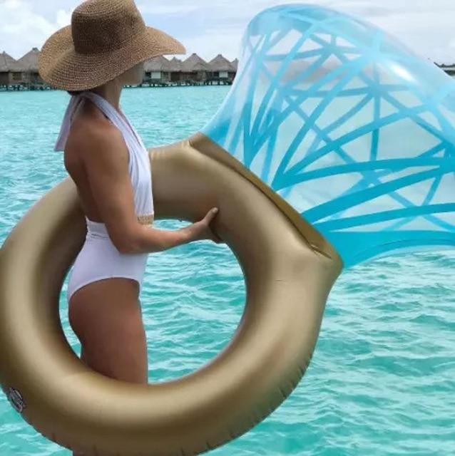 """גלגל בריכה בצורת טבעת יהלום ענק 140 ס""""מ 1"""