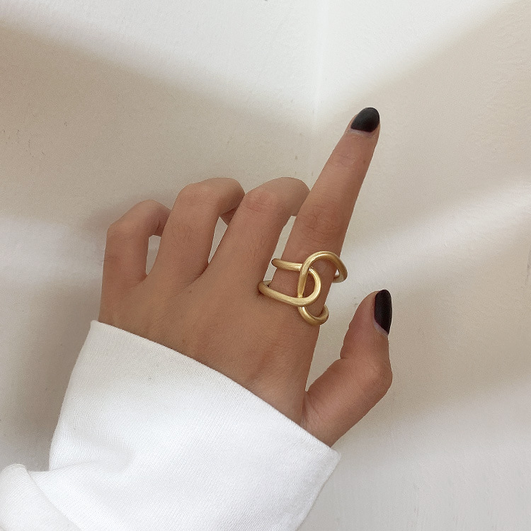 2019 New Simpleness Personality Twisted Irregular Curve Cross Metal Ringfor Women Bangle Wedding Party Jewelry Gift