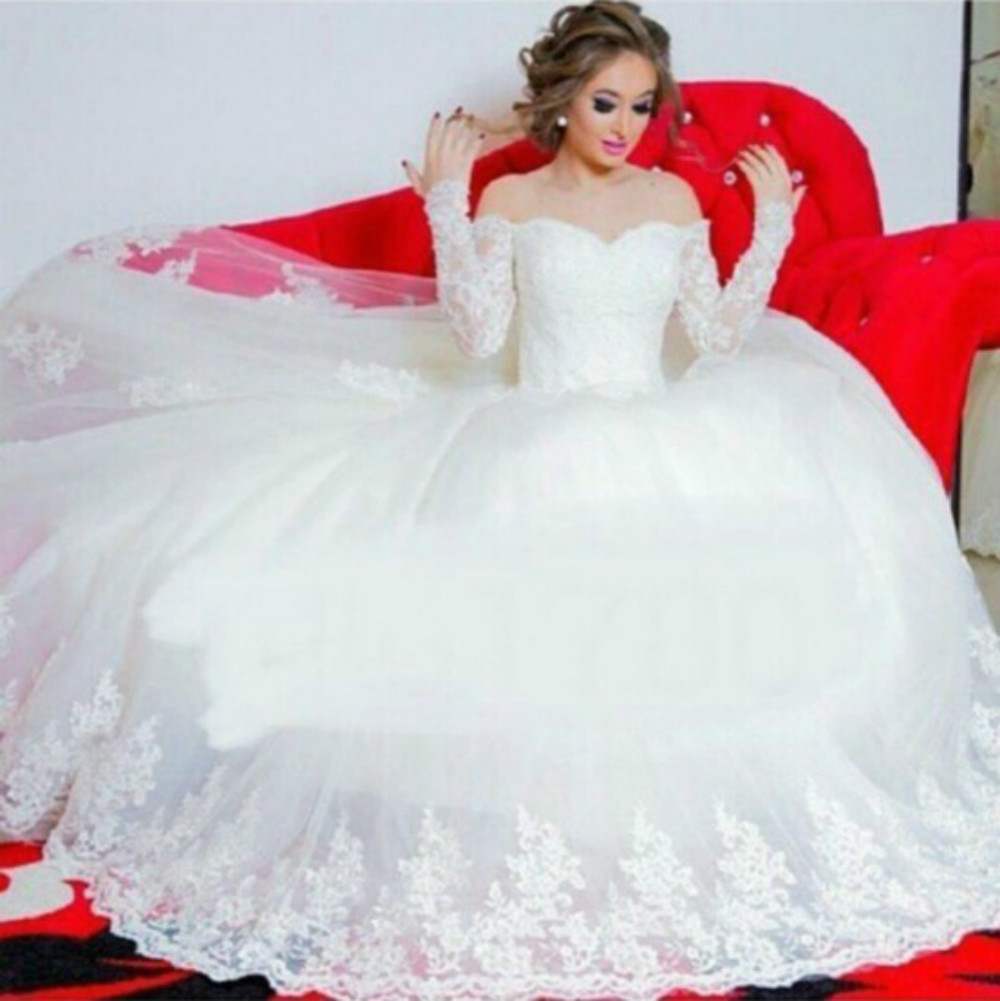 Sexy Off The Shoulder Ball Gown Wedding Dress Long Sleeve Appliqued Lace Wedding Gown Sweetheart 2016 Vestido De Noiva