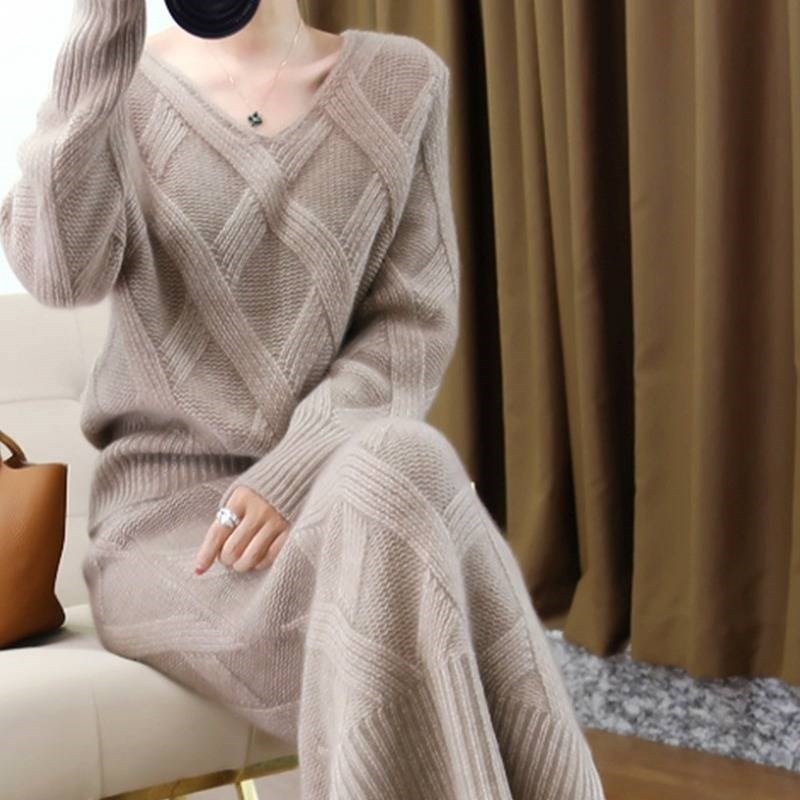 2019 New Autumn And Winter Women Pure Cashmere Sweater Female V-neck Thick Sweater Pullover Knit Skirt Two-piece Set NS1469