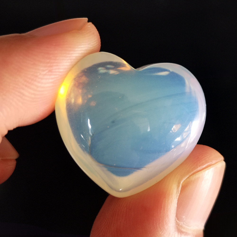 Natural Crystal Opal Carved Heart Shaped Stones Healing Chakra 25*25MM