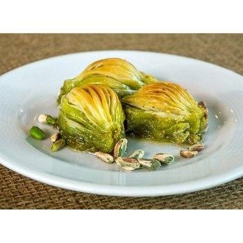 Baklava, Shell Shaped Special Turkish Baklava with Pistachio Daily Fresh Pastry фото