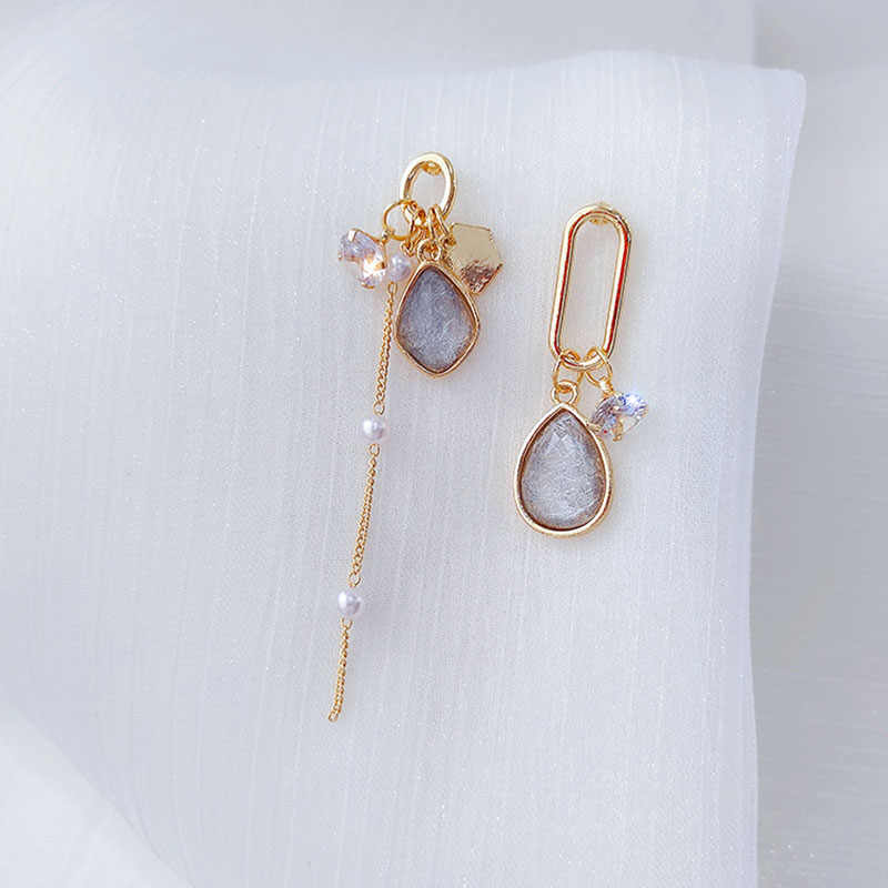 Baru Tren Anting-Anting Asimetris Korea Indah Elegan Rumbai Wanita Anting-Anting Fashion Sederhana Fashion Anting-Anting Anting-Anting Liontin