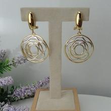 Yuminglai 24K دبي أقراط الذهب الأقراط الإيطالية للنساء انخفاض الأقراط FHK7961