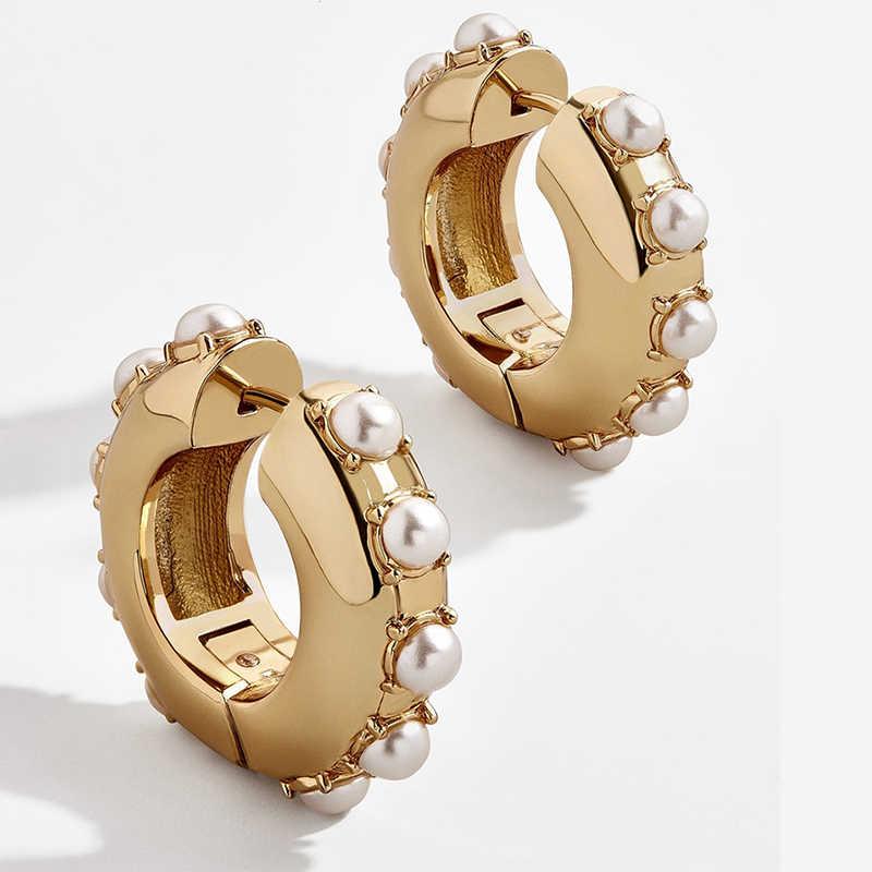 แฟชั่นเลียนแบบ Pearl Gold สี Hoop ต่างหูผู้หญิงอินเทรนด์ Boho วงกลมรอบหูเจาะ Huggies ต่างหู Brincos Bijoux