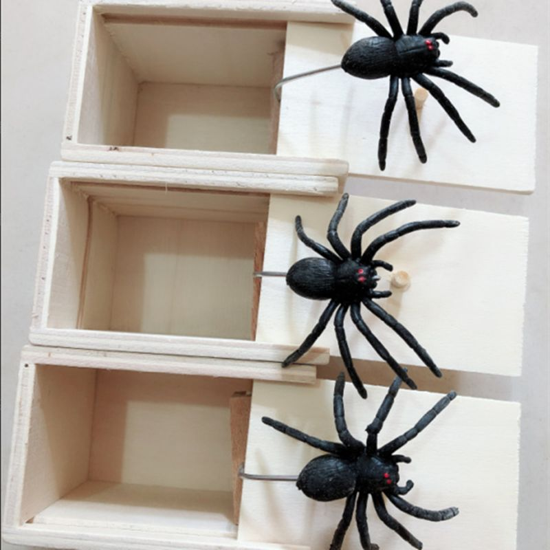 Novelty Hilarious Scary Box Spider Prank Wooden Scarybox Joke Gag Toy No Word 72XC