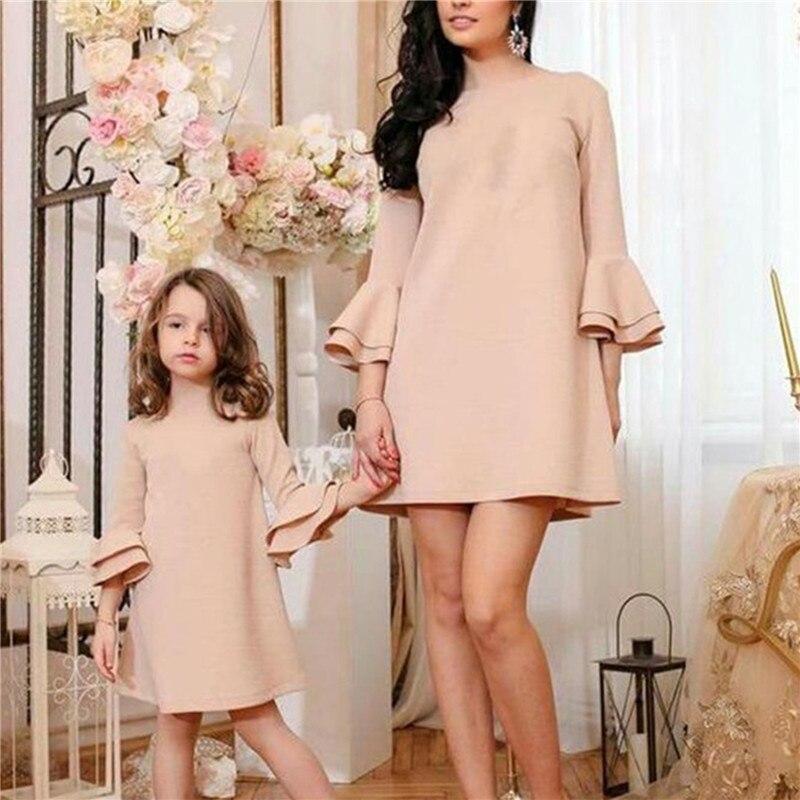 Nouvelle couleur unie chaude trompette manches robe Parent enfant robe robe Parent-enfant vêtements pour enfants famille correspondant tenue