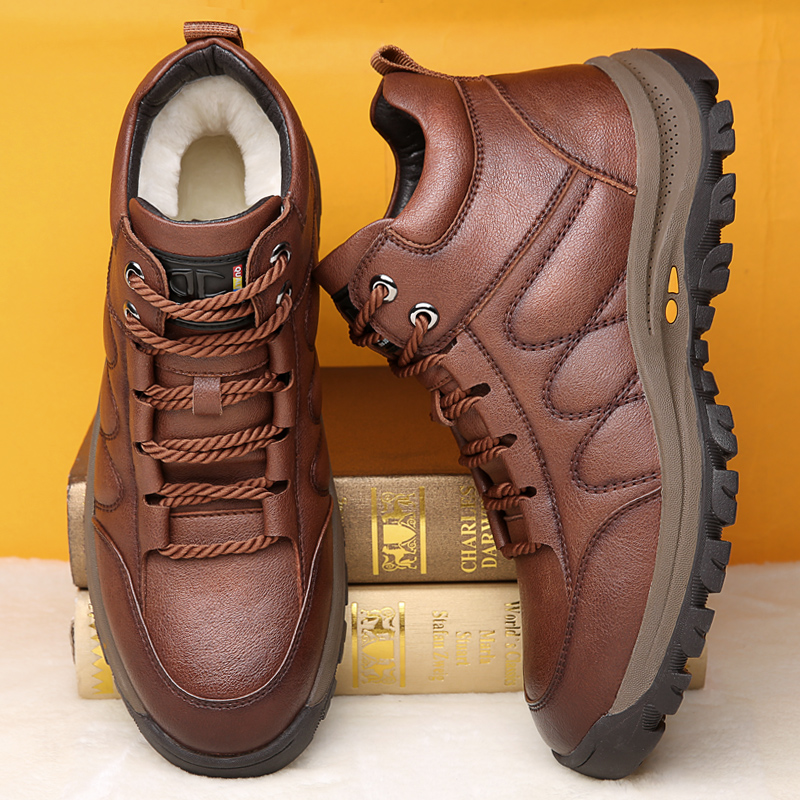 Misalwa Men Adult Warm Snow Boots Soft Bottom Wool Winter Short Boots Outside Casual Leather Handmade Sneakers Daddy Shoes