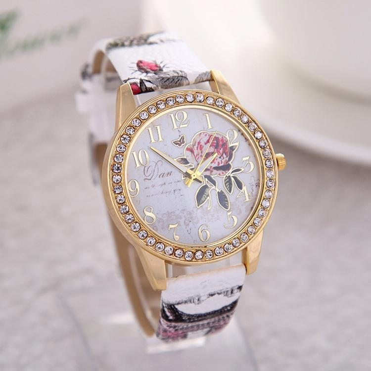 2020 Fashion Chinese Style Flower Pattern Ladies Quartz Watch Casual Women's Leather Pattern Strap Watch