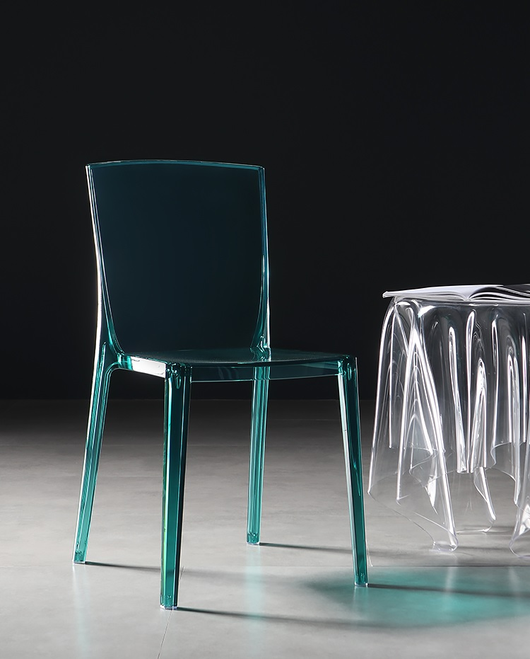 Crystal Clear Chair / All Plastic Made / Candy Dinner Chairs / Stackable Events Transparent Chairs