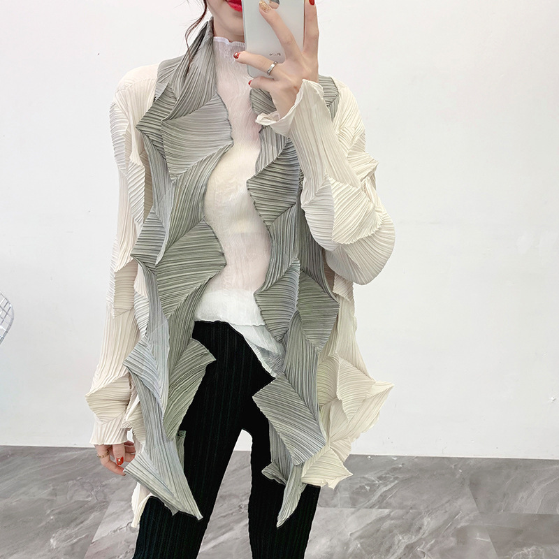 LANMREM 2020 Winter New Women's Color Matching Diamond Pleated Windbreaker Loose Large Size Pleated Jacket PC238