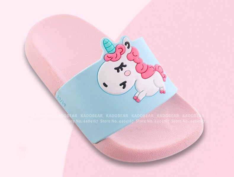 Тапочки с единорогом для маленьких мальчиков и девочек с рисунком радуги; детские летние пляжные вьетнамки; домашняя обувь; Детские уличные новые сандалии