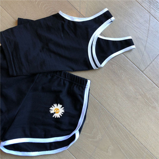 Korean Fashion Daisy Short Sexy Exposed Navel Vest Pants Set Women Slim Simple Sports Tops Shorts Suit Summer Streetwear Female 6