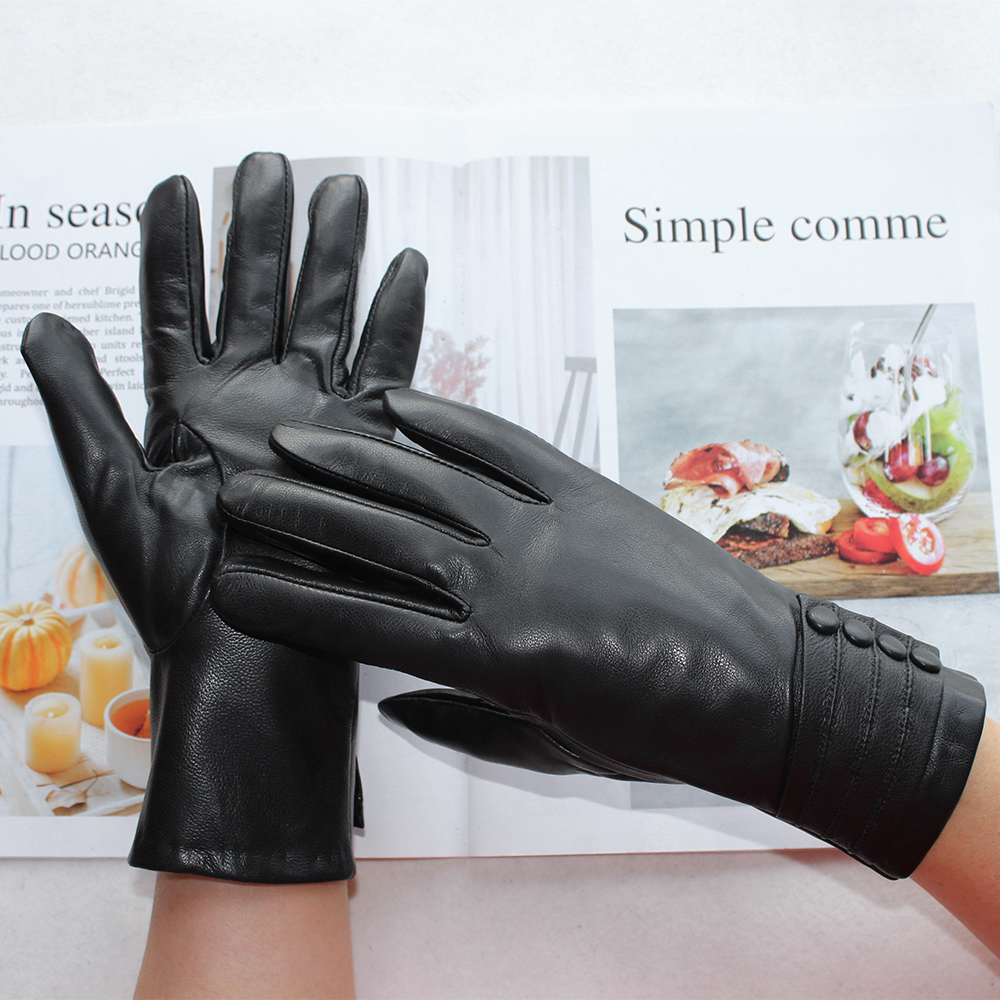 New Women's Black Leather Gloves Fashion Short Fake Rabbit Fur Lining Buttons Style Sheepskin Gloves To Keep Warm In Winter