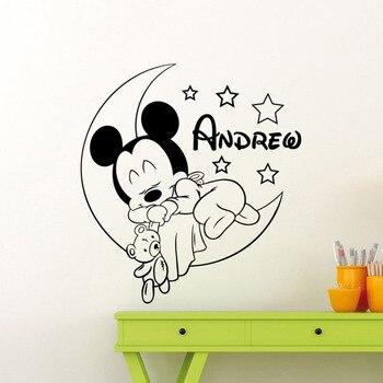 Персонализированные Микки мышь Наклейка на стену луна звезды милый мультяшный винил наклейка для маленьких детей пользовательское имя дет...