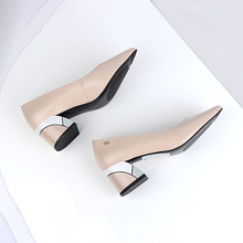 Купить с кэшбэком SOPHITINA Brand Spring Pumps New Comfortable Sheepskin Women's Shoes Basic Pointed Toe Colorful Square Heels Fashion Shoes C567