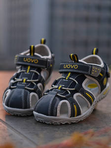UOVO Toddler Sandals...