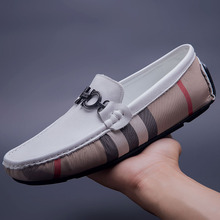 Brand Designer Men Casual Flats Shoes Breathable Leather Loafers Peas Boat Shoes Slip-on indestructible Driving chaussures homme mycolen 2018 men slip on loafers shoes leather comfortable designer male flats trendy high quality shoes chaussures homme