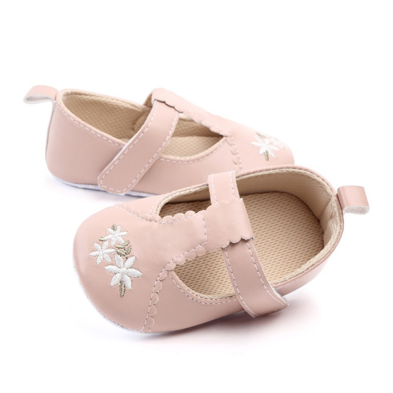 2019 Baby First Walkers Newborn Infant Baby Boy Girl Solid PU Shoes Newborn Anti-slip Soft Sole Crib Sneakers Prewalkers 0-18M