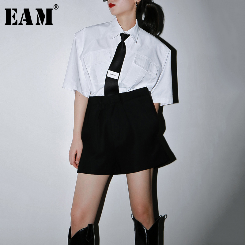 [EAM] Women White Pocket Stitch Brief Big Size Blouse New Lapel Half Sleeve Loose Fit Shirt Fashion Spring Summer 2020 1U378