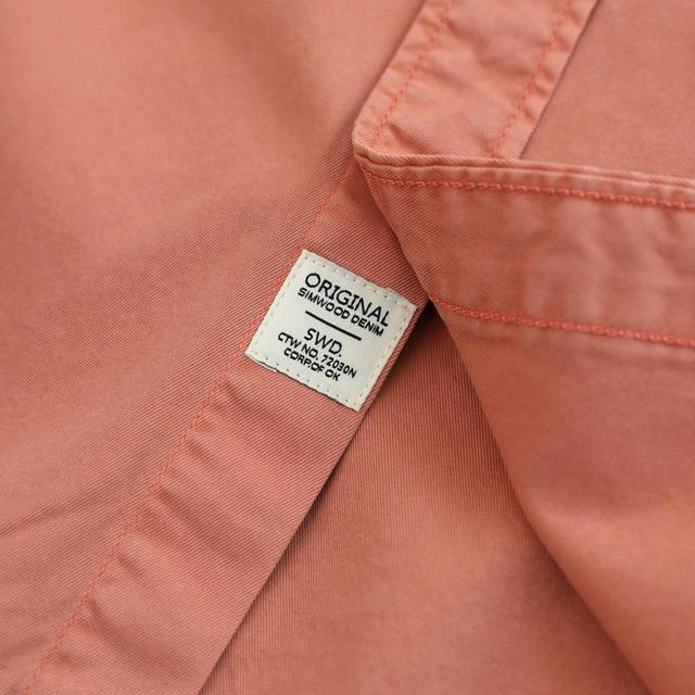 Casual Shirts with Chest Pockets in solid colors