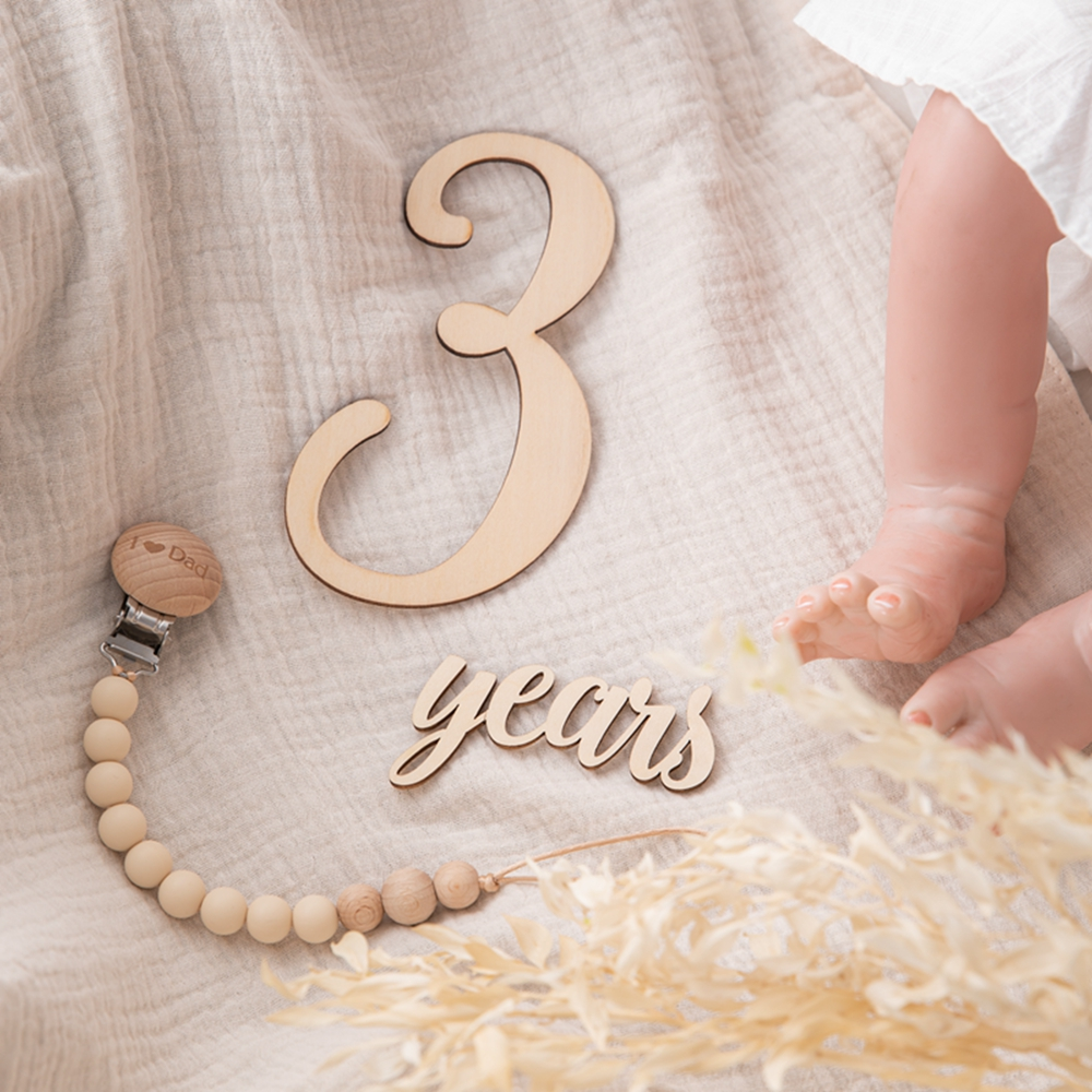 19pcs/lot Baby Milestone Number Monthly Memorial Cards Newborn Baby Wooden Engraved Age Photography Accessories Birthing Gift