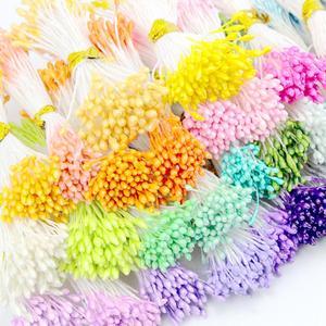 Image 1 - 900 teile/los Zufall Mixed Doppel Köpfe DIY Künstliche Mini Perle Blume Staubblatt stempel 1mm Floral Staubblatt Für Hochzeit Dekoration DIY