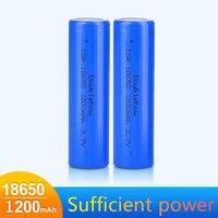 Nuovo accumulatore di batteria ricaricabile al litio 3.7V 1200mAh 18650 per batterie torcia a testa piatta blu