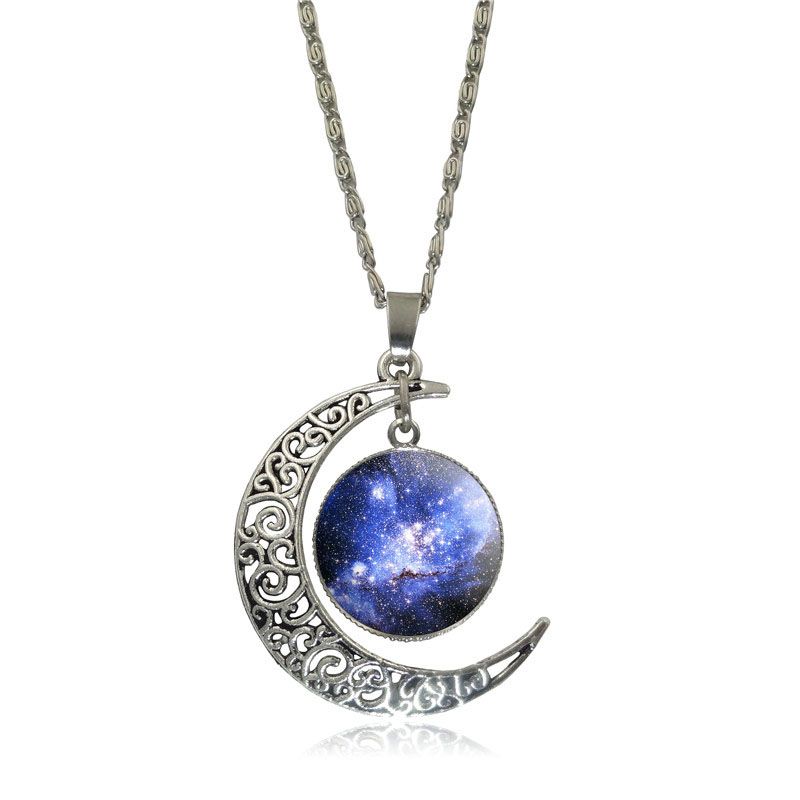 Belle galaxie nébuleuse croissant de lune collier à la main - Bijoux fantaisie - Photo 4