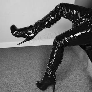 Botas BERZIMER con plataforma en la entrepierna para mujer, Zapatos con tachuelas, Zapatos brillantes de charol de imitación de cuero sobre la rodilla, Zapatos de señora de talla grande 34 44 52