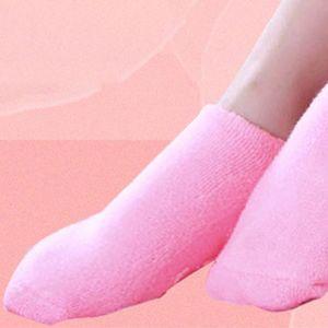 Image 3 - 1 זוג ג ל ספא לחות גרביים רך כותנה הלבנת פילינג רגל מסכת עור חלק טיפול יבש טיפול יופי ציוד