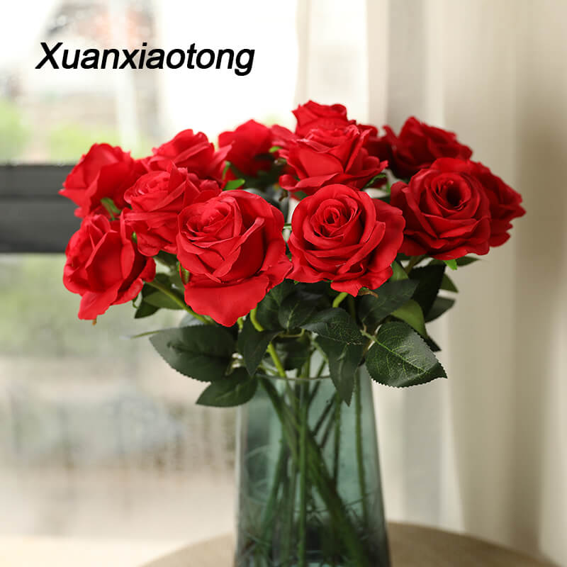 Xuanxiaotong 1pc Roses rouges Branches soie artificielle fleurs Simulation flanelle Rose fleurs décoration de mariage décor à la maison