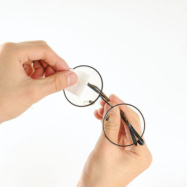100 قطع مجموعة نظارات الأنظف مناديل مبللة الأنسجة نظارات تنظيف الغبار إزالة الكحول شاشة الهاتف مسح أدوات المتاح 2