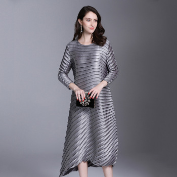 LANMREM Office Lady High-end Temperament Solid Full Sleeve Plus Size Sexy Women Pleated Dress 2020 Autunmn New Dresses AI951 1