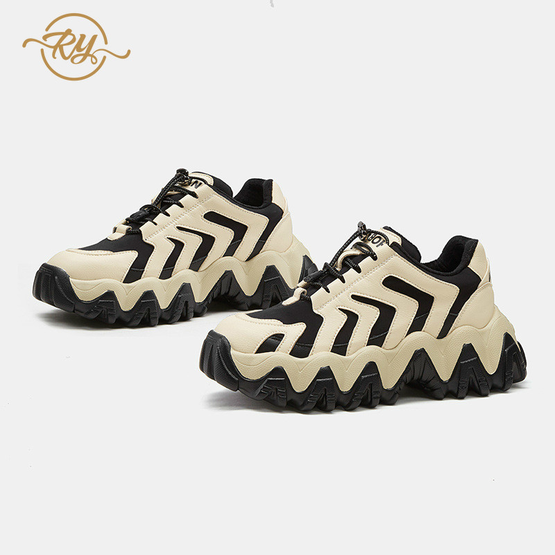 RY rella2019 automne et hiver nouvelles chaussures fumées intelligentes Hong Kong style chaussures décontractées femmes rue coup fond épais chaussures décontractées