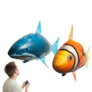 Image 1 - Globo de tiburón a Control remoto para niños, globo de tiburón grande volador, globo inflable de helio, pez payaso, Animal, peces de natación, interacción para niños