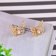 цена 2019 Gold/Silver/Rose Gold Color Alloy Crystal Insect Butterfly Stud Earrings Fashion Jewelry онлайн в 2017 году