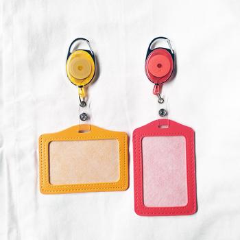 Skórzane etui na karty odznaka Reel etui na dowód chowany pokrowiec na karty akcesoria szkolne akcesoria dla pielęgniarek tanie i dobre opinie pelsone CN (pochodzenie) xx2020102907 Etui na identyfikator For pass card