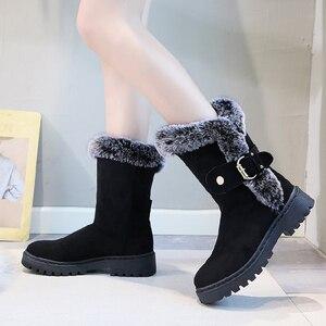 Женские ботильоны на плоской платформе, зимние теплые бархатные ботинки с пряжкой, Короткие Плюшевые ботинки