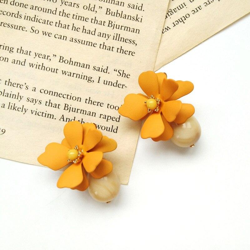 New Fashion Jewelry Cute Flower Earrings Small Fresh Bohemian Earrings Temperament Wild Female Elegant Earrings in Drop Earrings from Jewelry Accessories