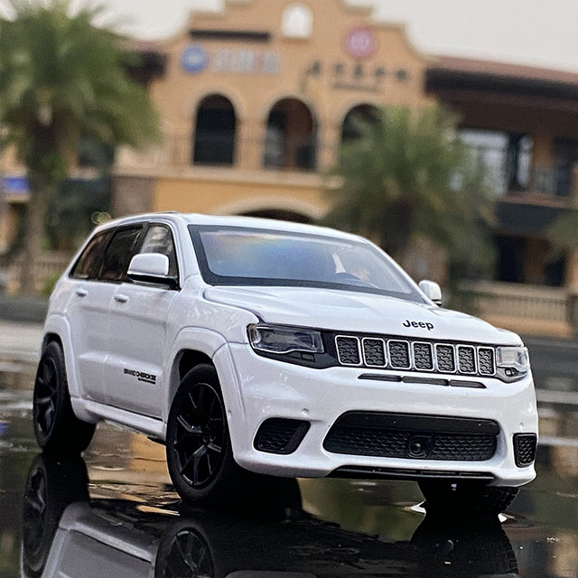 1:32 Jeeps Grand Cherokee Alloy Off-road Vehicles Car Model Diecasts & Toy Vehicles Metal Toy Car Model Simulation Kids Toy Gift 1