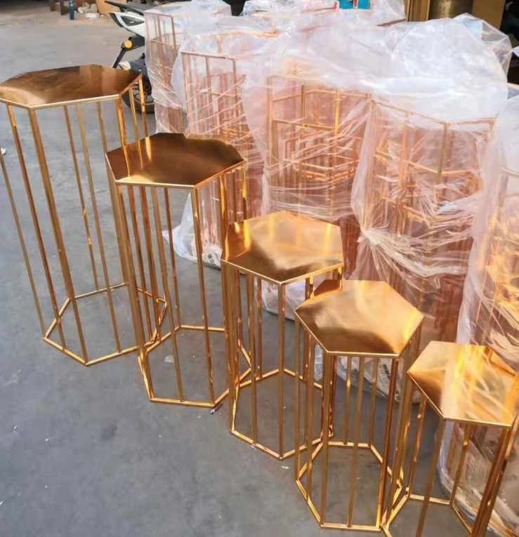 Grand אירוע תפאורות עוגת stand מלאכות אבזרי פרח תצוגת מוזמן לחתונה מסיבת שולחן קינוח stand מתכת קינוח שולחן מדף