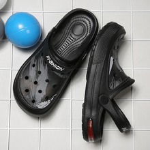 2020 New Couple Summer Graffiti Beach Sandals Crocs Shoes Man Sandals Clogs Croc