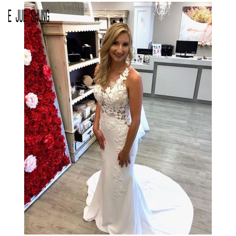 E JUE SHUNG White Boho Mermaid Wedding Dresses Scoop Neck Button Back Lace Appliques Sexy Sheer Bridal Gowns vestido de noiva