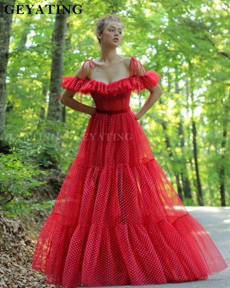 Red Polka Dotted Off Shoulder Prom Dresses 2020 Ruffles Spaghetti Straps Ball Gown Evening Dress Long Formal Party Gowns New