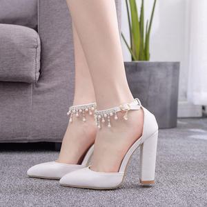 Image 5 - Kryształ królowa klamra pasek kobieta buty ślubne obcasy sandały na wysokim obcasie perła Rhinestone panie Sexy biały buty na koturnach