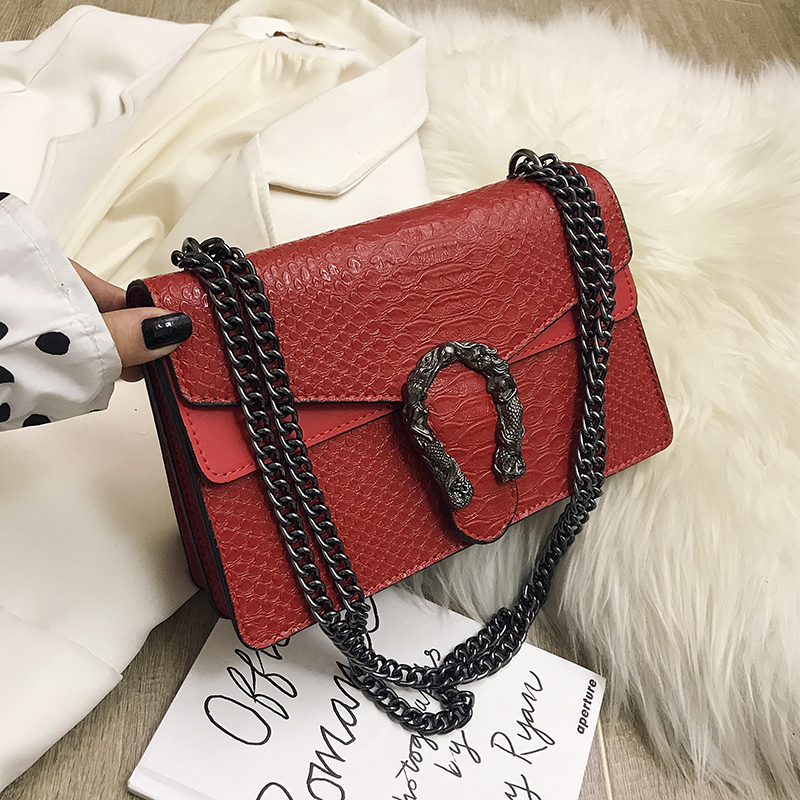 2019 New  Shoulder Bag Chains Messenger Bag Fashion Girls Casual Handbag Simple Leisure Personality Small Square Women Bag