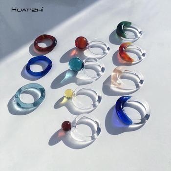 HUANZHI 2020 nowe kolorowe przezroczyste pierścienie akrylowe geometryczne kulki szklane pierścienie dla kobiet dziewczyn Korea moda pierścionek biżuteria na prezent tanie i dobre opinie Ze stopu Aluminium ze stopu Aluminium Kobiety TRENDY Zespoły weselne GEOMETRIC Wszystko kompatybilny Nastrój tracker Brak