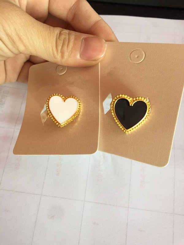 AOMU 2019 New Steampunk Black White Heart Rings For Women Ring Fashionable Vintage Heart Ring For Party Charm Jewelry Set