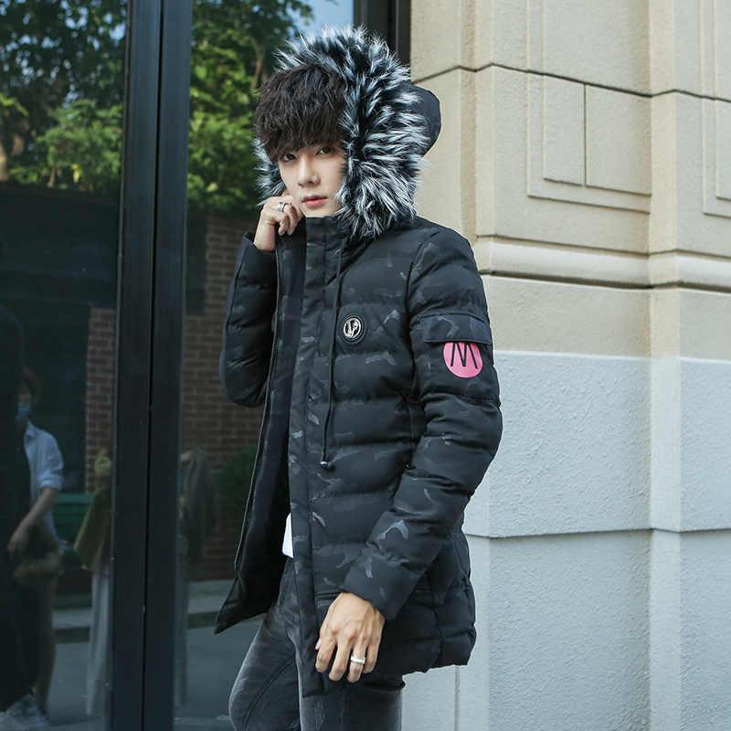 جاكيت شتوي رجالي عصري جديد باركاس معطف سميك مع قلنسوة وياقة دافئة من الفرو ملابس خارجية سترة مموهة ضيقة للرجال معطف بقبعة قابلة للفصل